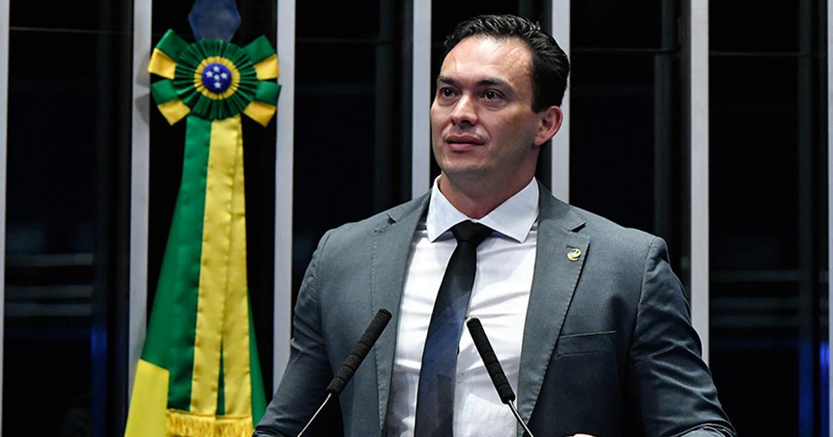 Senador Styvenson Valentim vai apresentar PEC contra nepotismo na  administração pública - Inove Capacitação